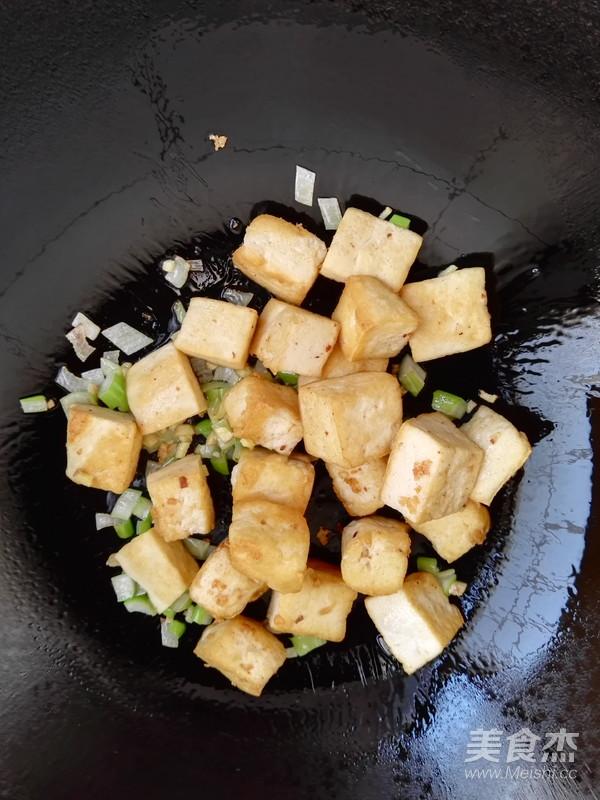 虾仁青椒炒豆腐怎么煮