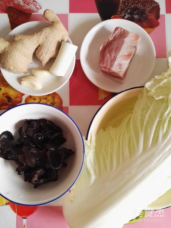 白菜黑木耳炒五花肉的做法大全