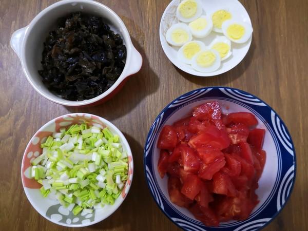 西红柿蒜黄酱拌面#中卓牛骨汤面#的做法图解