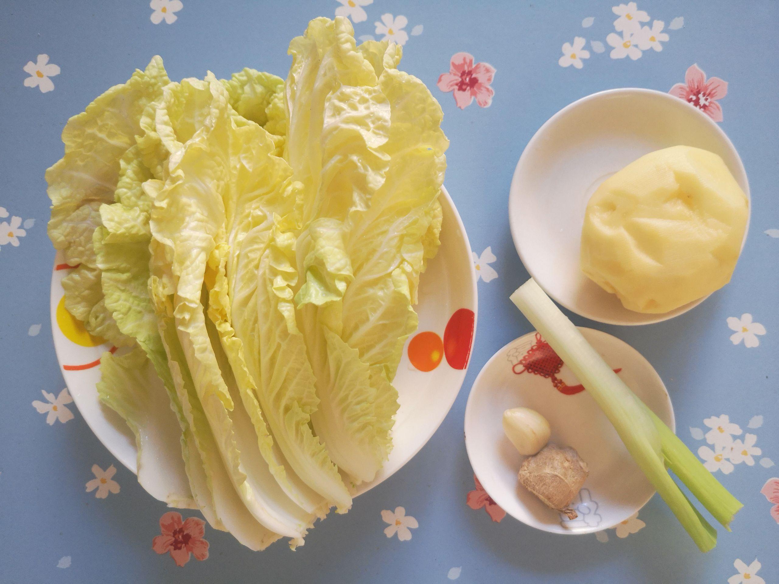 土豆炖白菜的做法大全