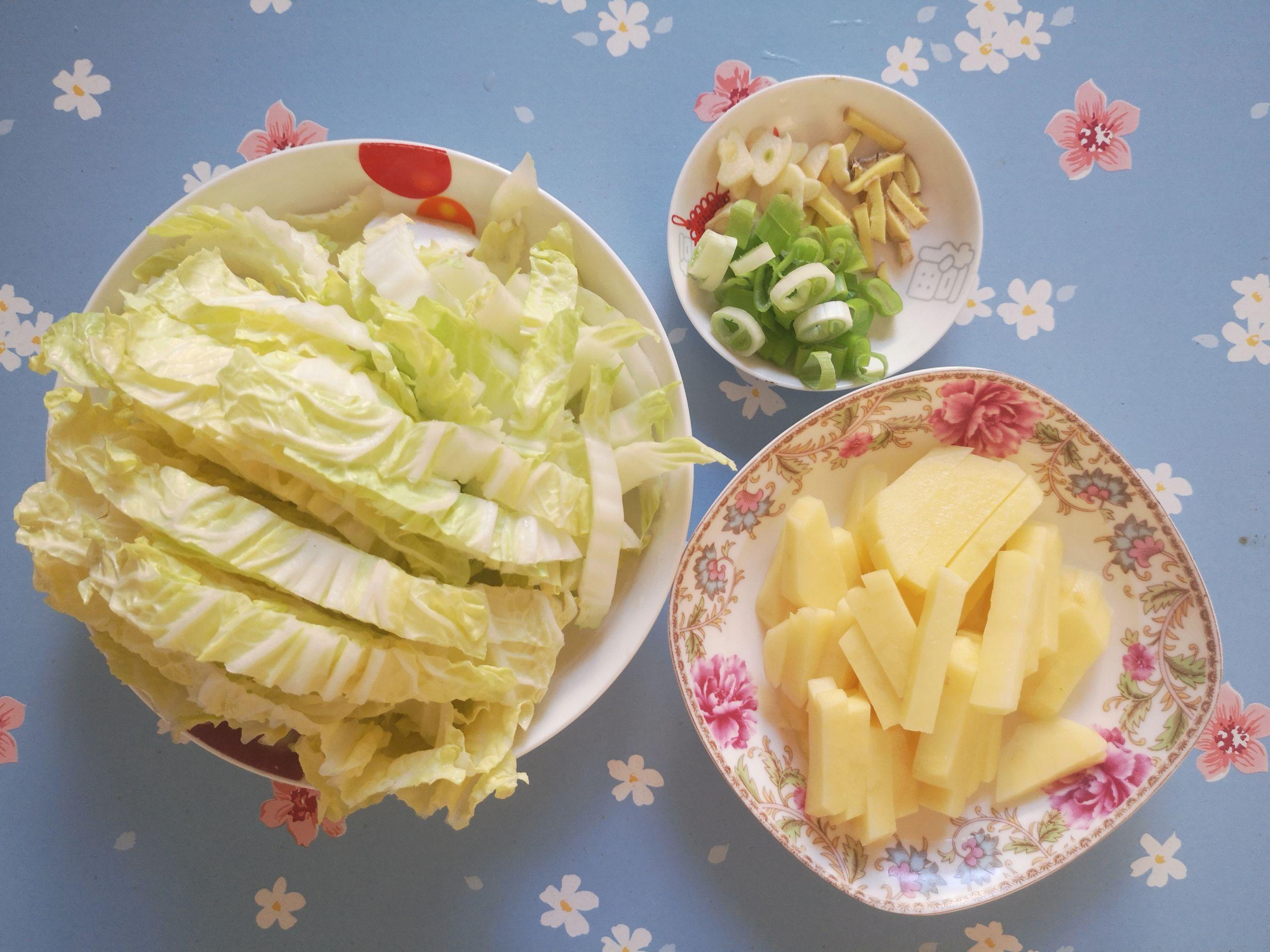 土豆炖白菜的做法图解