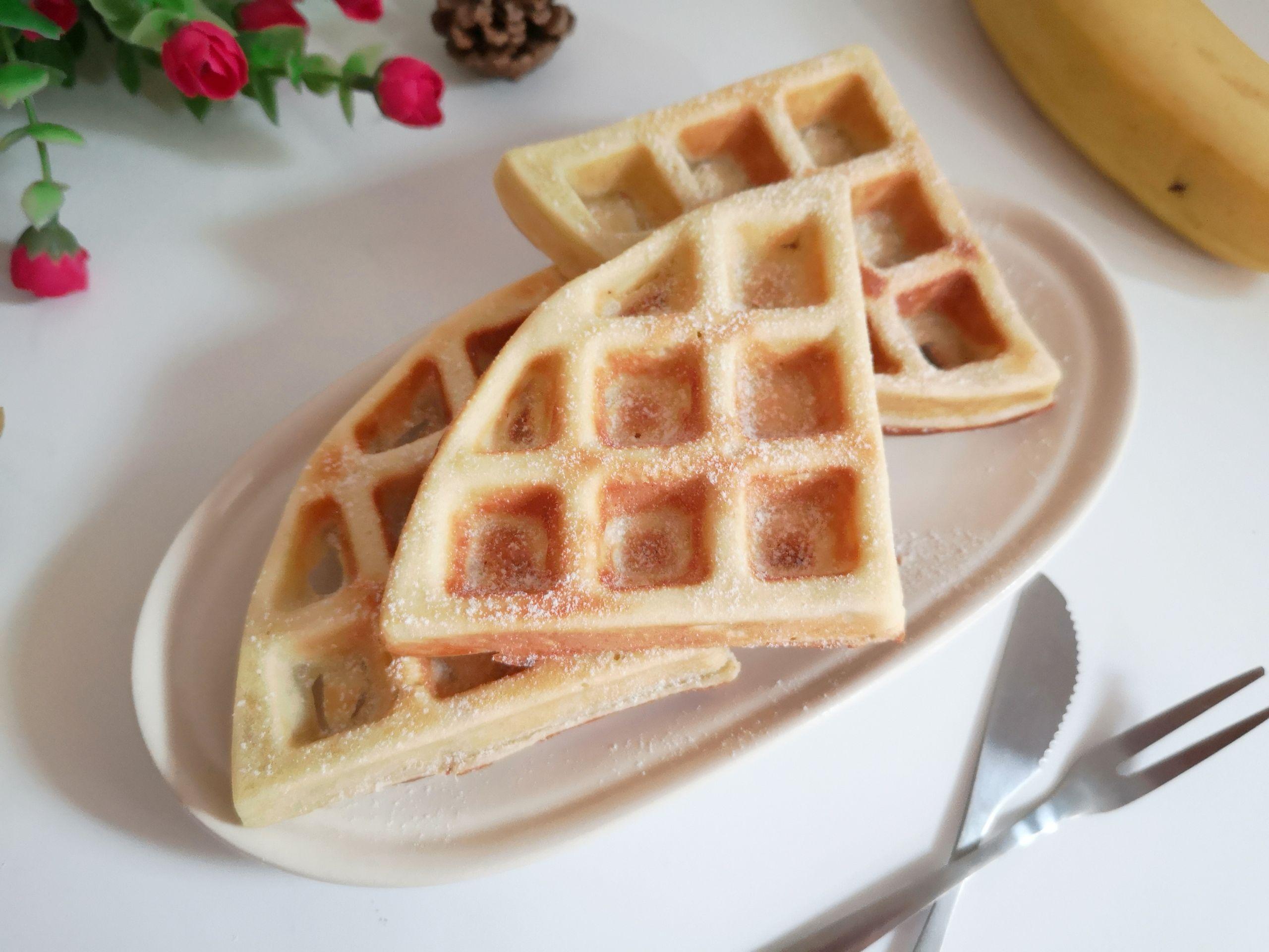 香甜松软的香蕉泥华夫饼,吃一次常想着,家人总是让我做怎么煸