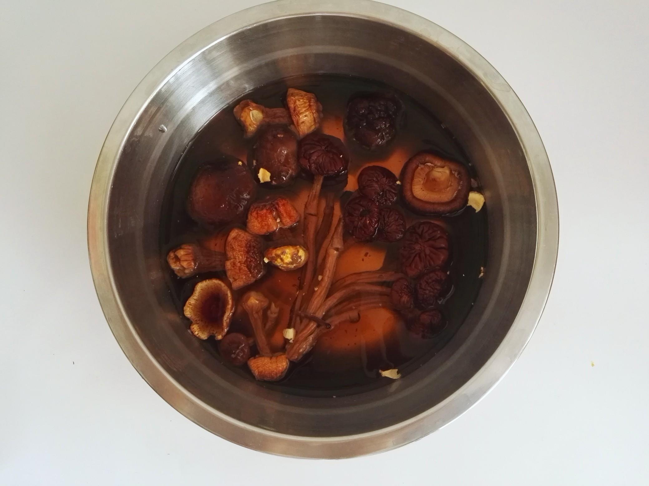 清淡鲜美的猪骨汤,炎炎夏日解馋又清心的做法图解