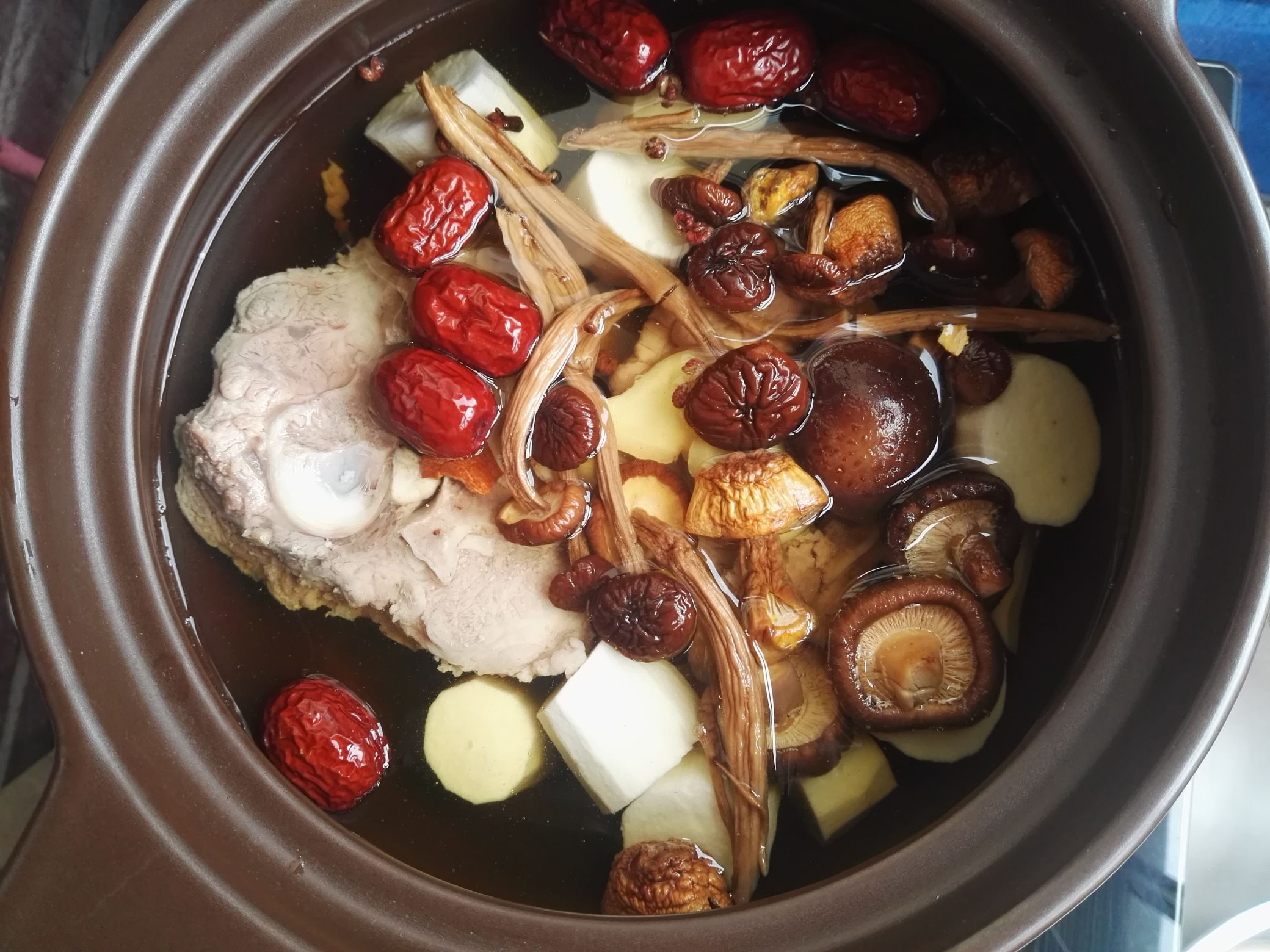 清淡鲜美的猪骨汤,炎炎夏日解馋又清心怎么吃