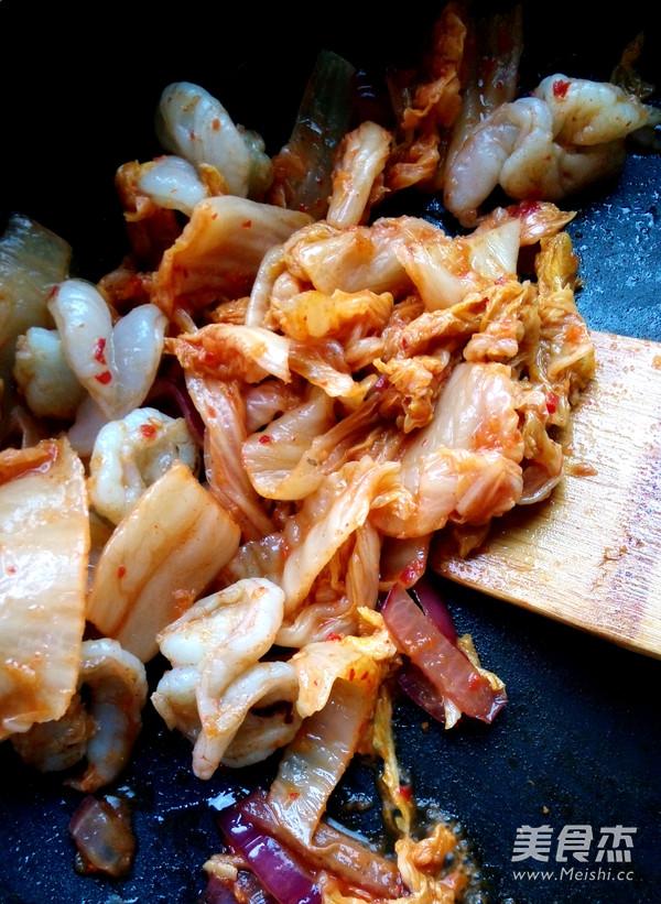 辣白菜炒虾球怎么吃