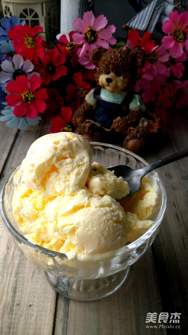 自制奶香冰淇淋成品图
