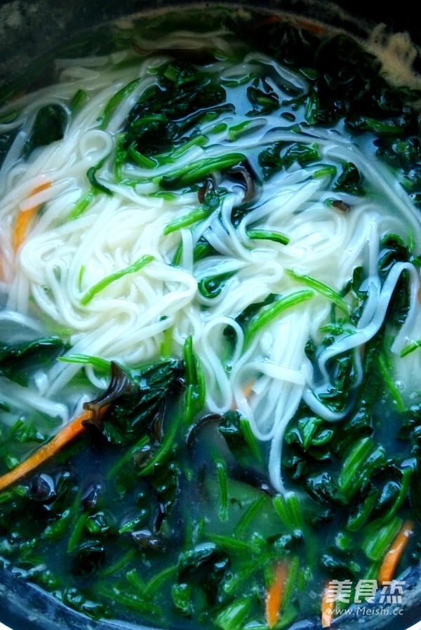 菠菜蛤蜊鲜汤面的简单做法