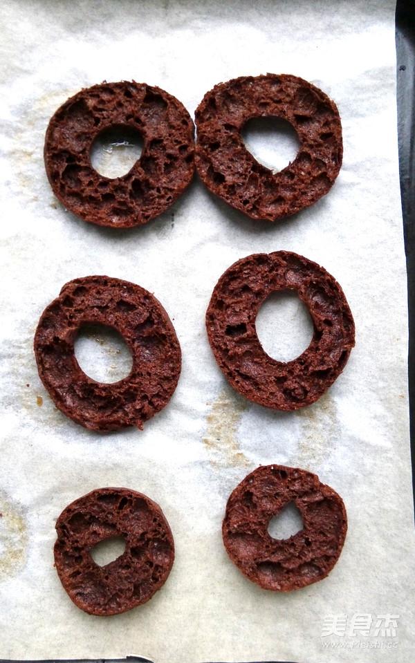 巧克力甜甜圈泡芙的简单做法