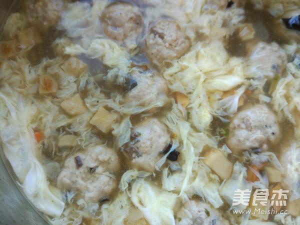 酸辣肉丸汤怎么吃