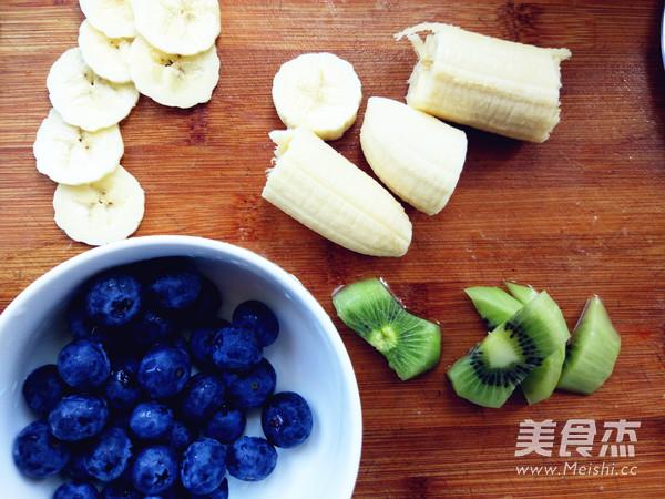 蓝莓猕猴桃香蕉思慕雪的做法大全