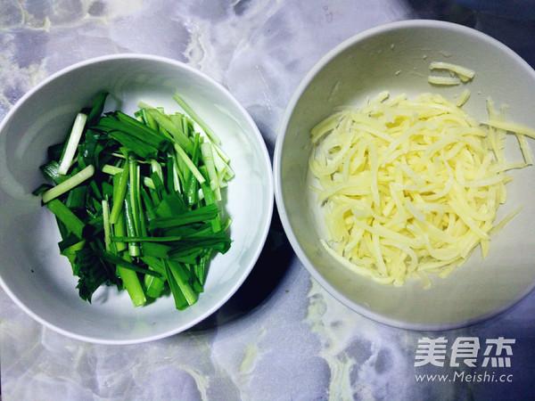 土豆丝韭菜炒豆芽的做法图解
