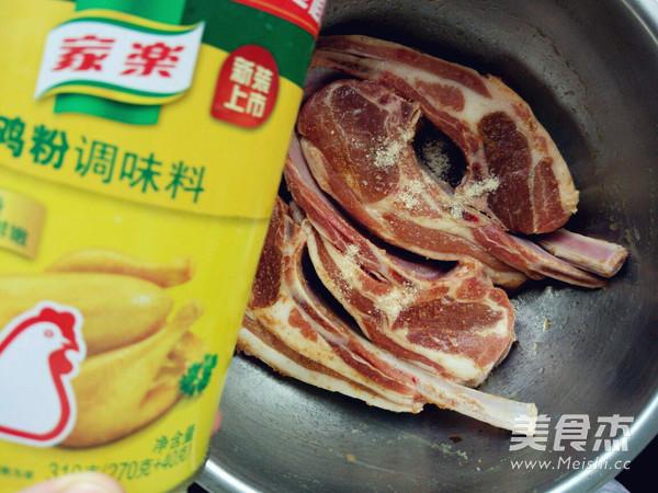 蜜汁烤羊排的家常做法