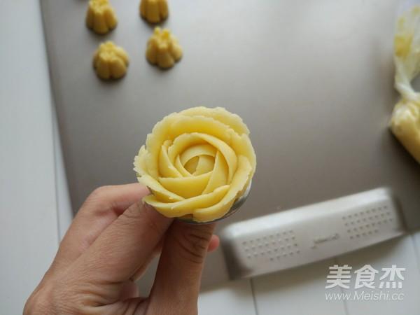 原味玫瑰形曲奇饼干怎样做