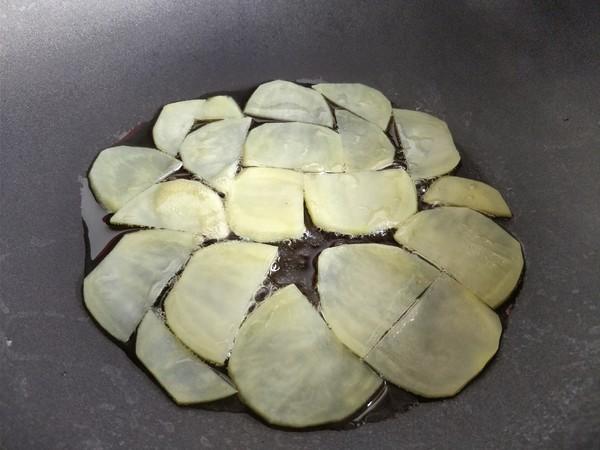 香肠土豆鸡蛋饼的简单做法