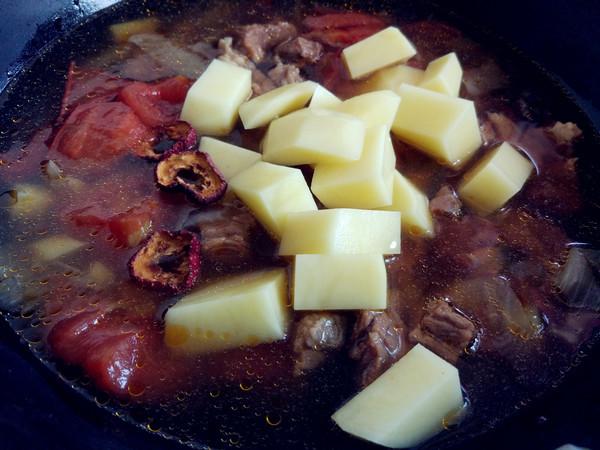番茄土豆牛肉汤怎么煮