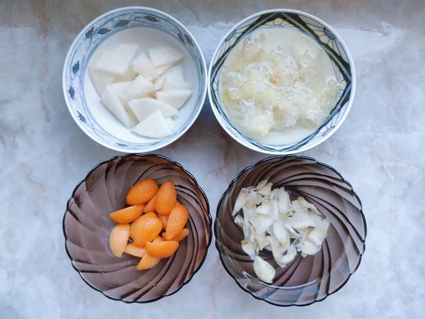 枇杷雪梨百合银耳汤的做法图解