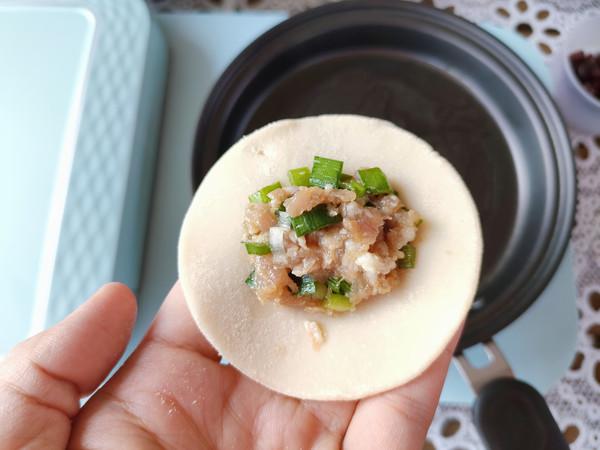 猪肉锅贴、土豆丝鸡蛋饼、南瓜小米粥怎么炖