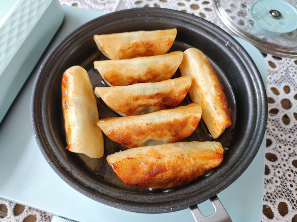 猪肉锅贴、土豆丝鸡蛋饼、南瓜小米粥怎样做