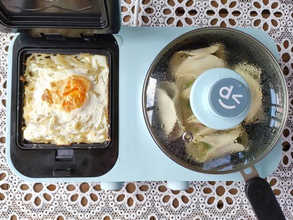 猪肉锅贴、土豆丝鸡蛋饼、南瓜小米粥怎样煸