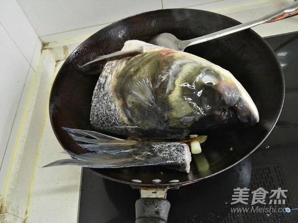 鲢鱼头豆腐汤怎么炒