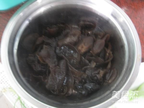 黑香肠炒蒲瓜的简单做法