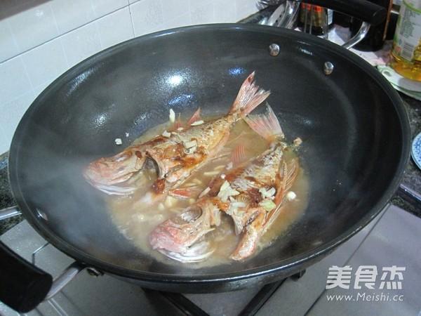 黄豆酱焖大眼鱼怎么煮