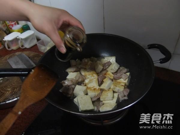 五花肉焖豆腐怎么煮