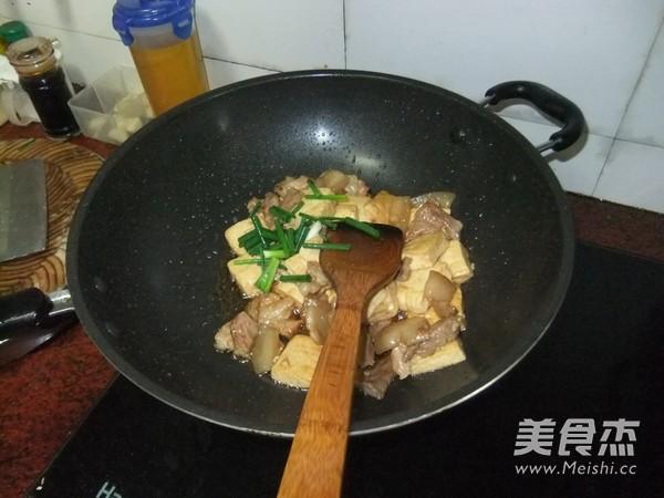 五花肉焖豆腐怎样煸