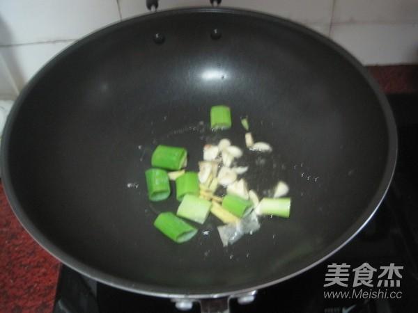 紫苏焖鸡的家常做法
