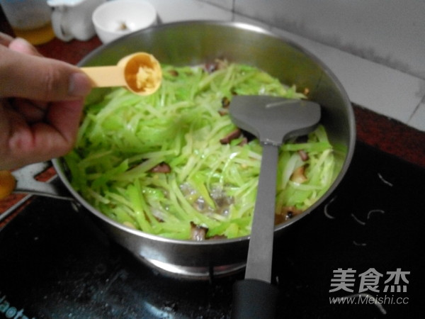 烟熏腊肉炒莴笋丝怎么煮
