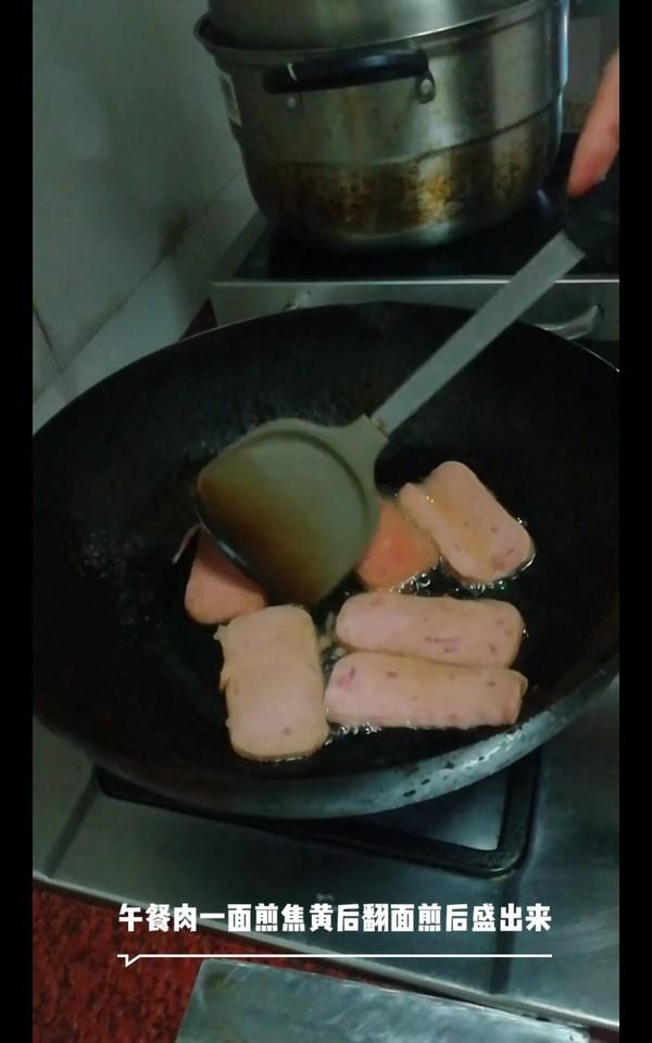 酸菜午餐肉米线怎么煮