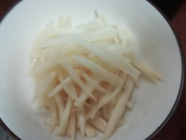 酸萝卜瘦肉炒米粉的做法图解