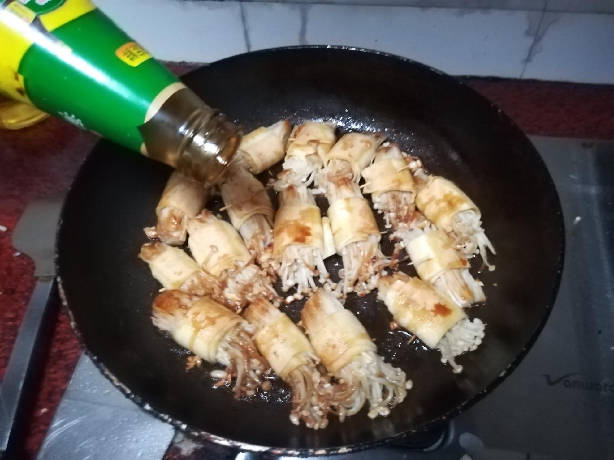 豆腐皮金针菇卷怎么做