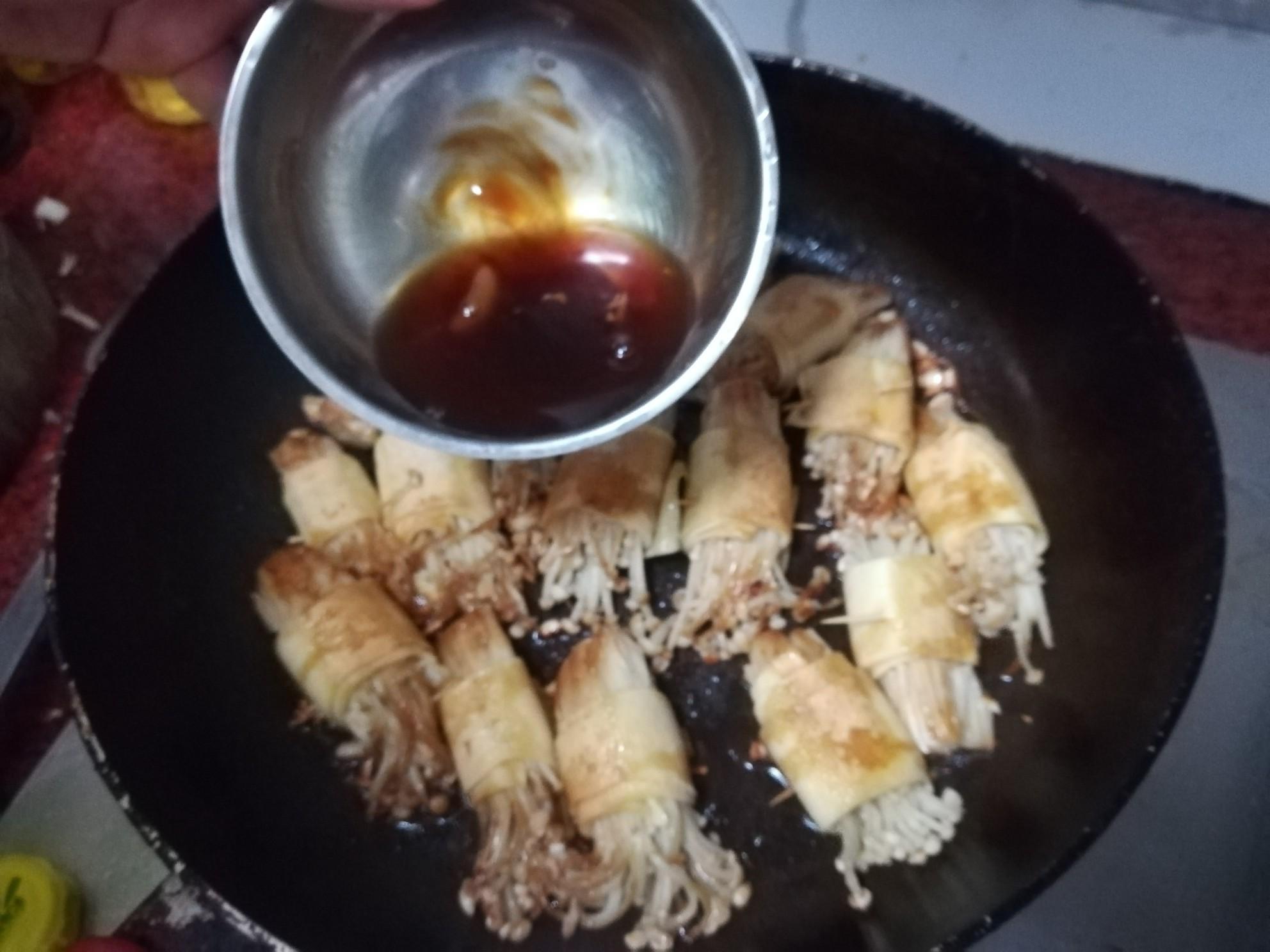 豆腐皮金针菇卷怎么炒