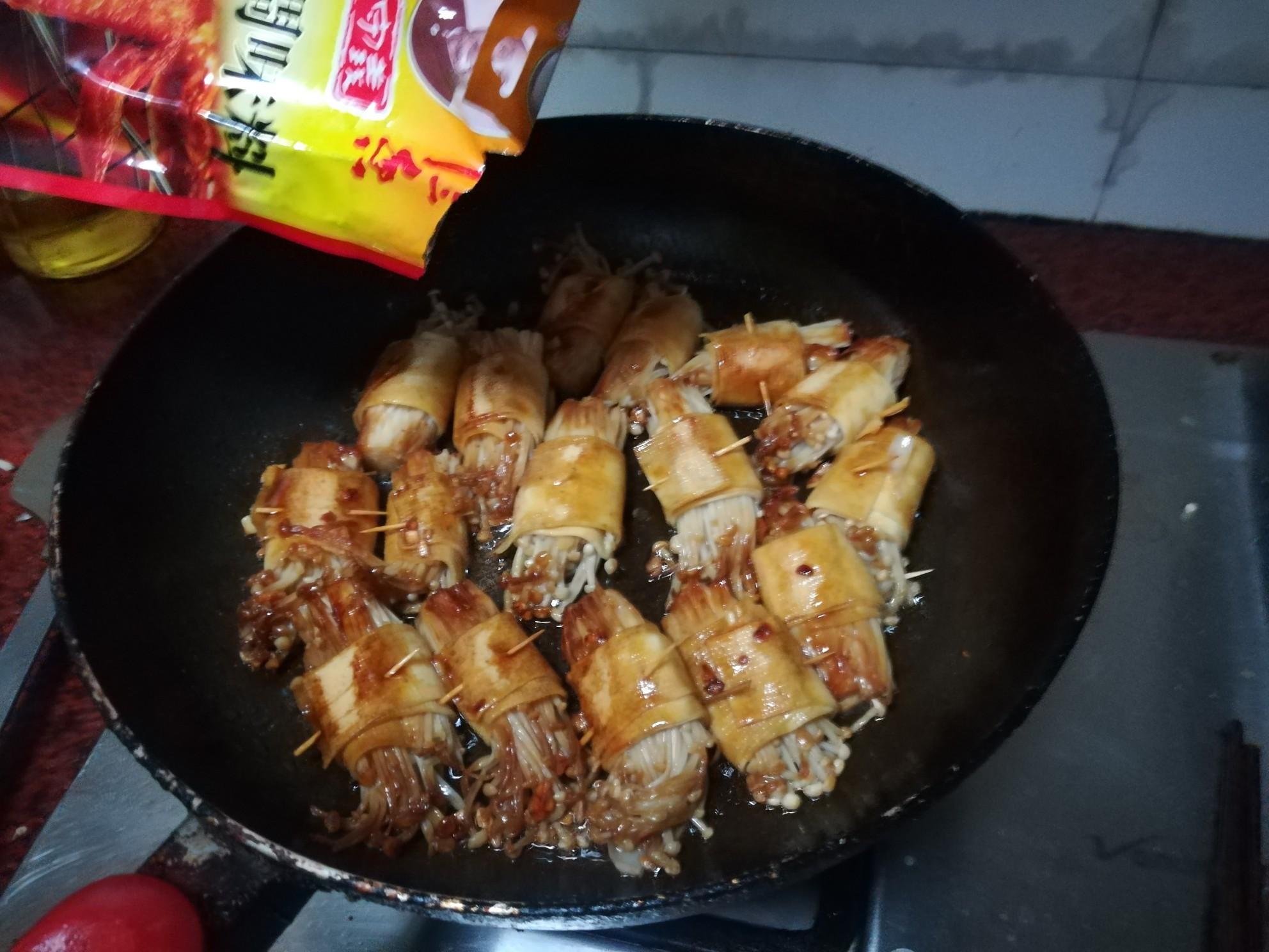 豆腐皮金针菇卷怎么煮