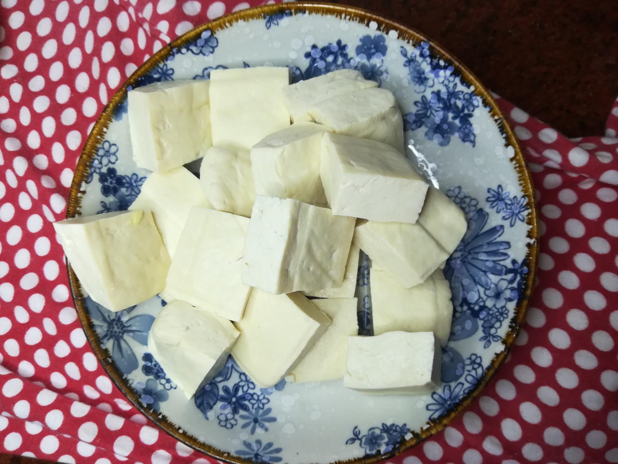 五花肉煎豆腐的做法图解
