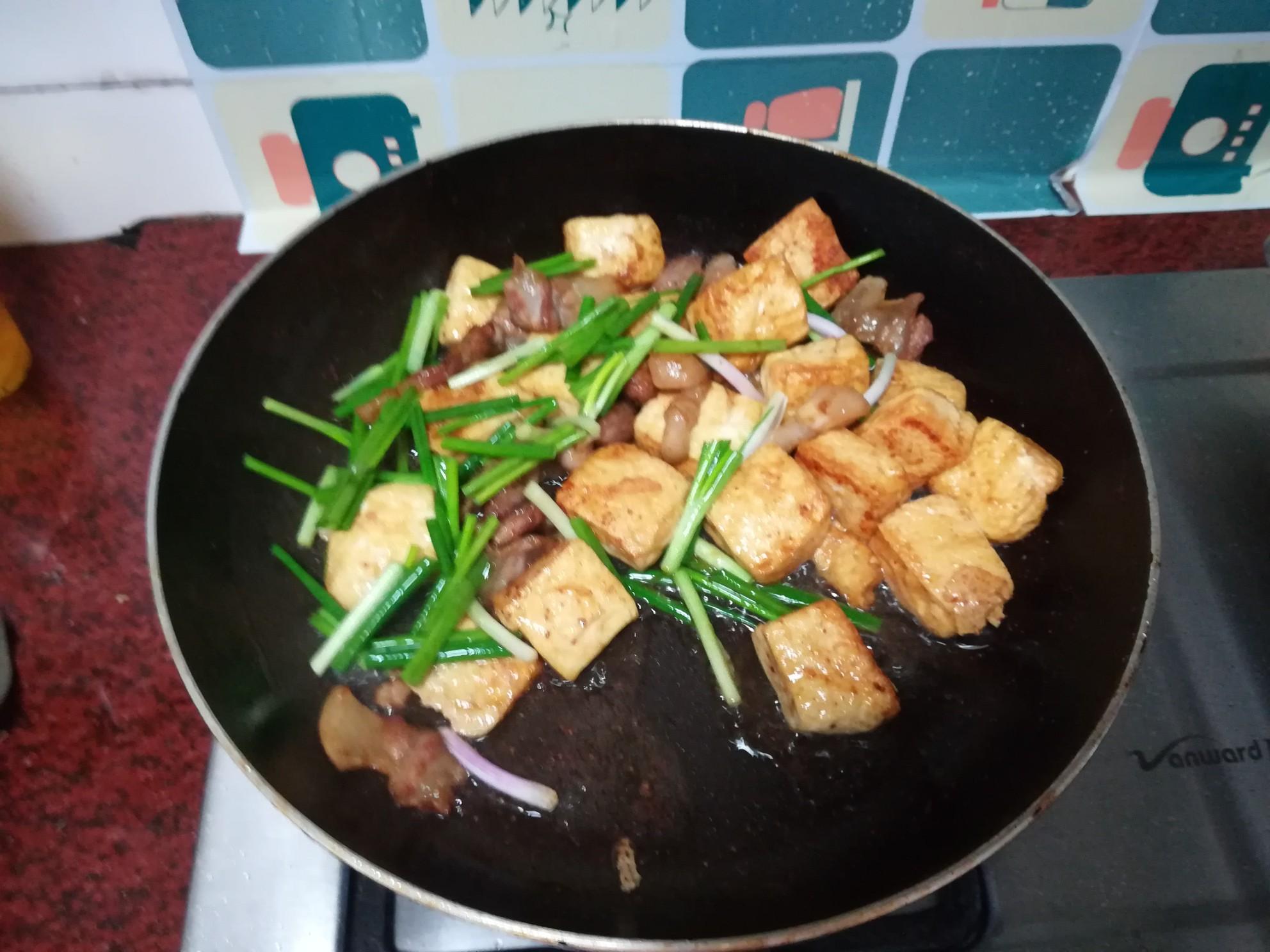 五花肉煎豆腐怎么炖