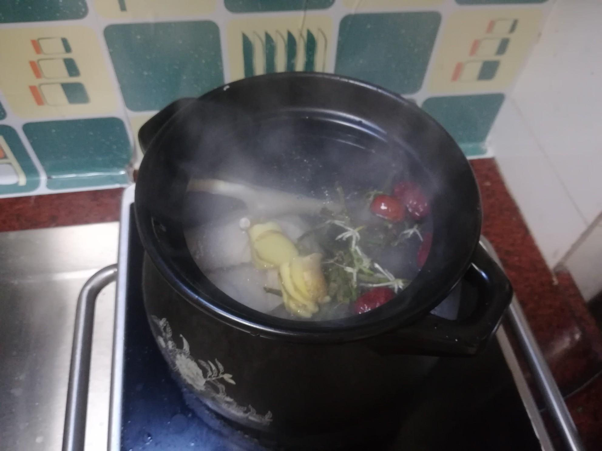 石斛煲鸡汤怎么吃