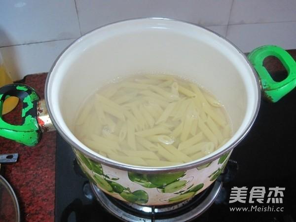 肉末青豆通心粉的简单做法