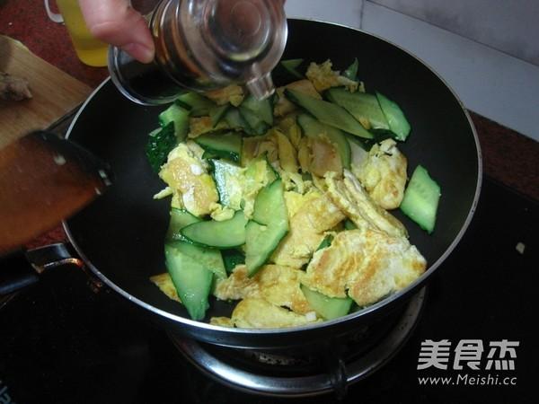 豆腐煎蛋炒黄瓜怎样做