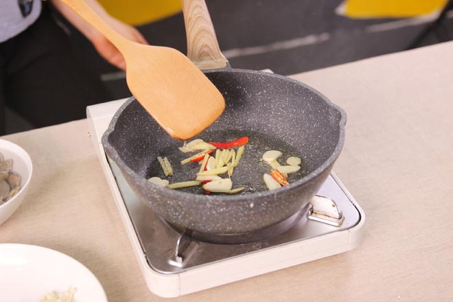海鲜螺蛳粉的简单做法