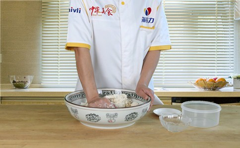 用馒头泡打粉怎样发面蒸馒头步骤&方法怎么煮
