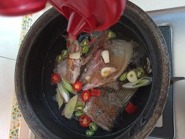 鱼头豆腐嫩玉米怎么做