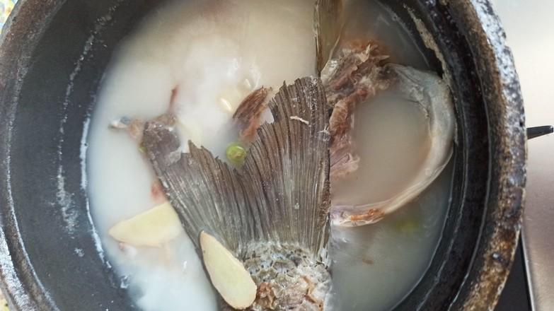 鱼头豆腐嫩玉米怎么炒