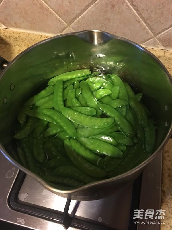 豆荚鲜虾盏的家常做法