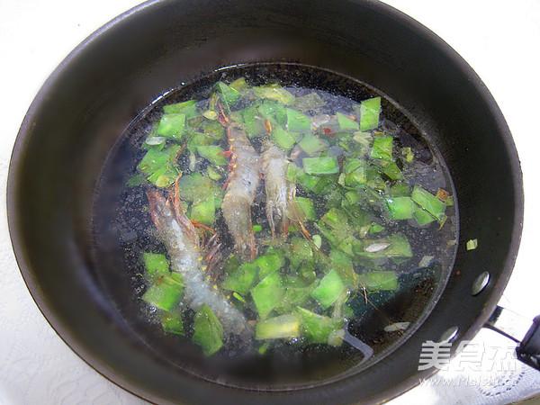 梅豆鲜虾疙瘩汤怎么炖