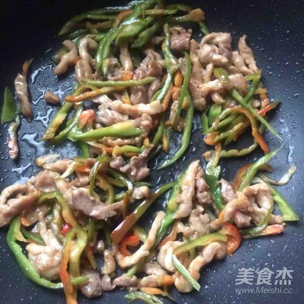 青椒土豆炒肉丝怎么吃