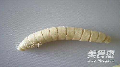 樱桃酱毛毛虫面包怎么炖