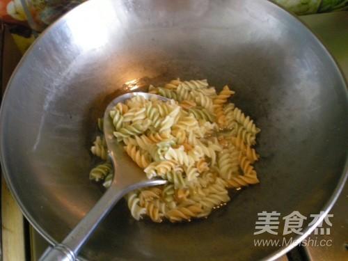 酱鸭脖蔬菜西米的家常做法