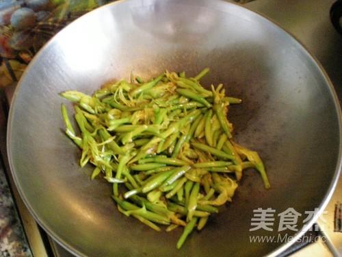清炒黄花菜怎么炒